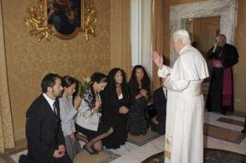 Ingrid Betancourt e familiares, em audiência hoje com Sua Santidade, o Papa Bento XVI