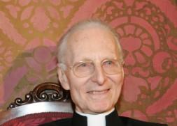 Cônego da Basílica de São Pedro e postulante da causa de canonização do Beato Pio IX, Mons. Gherardini é padre da diocese de Prato (Itália) e está a serviço da Santa Sé desde 1965, especialmente como professor de eclesiologia e ecumenismo na Pontifícia Universidade Lateranense até 1995.