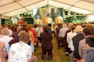 Mons. Ganswein celebra missa 'Ad Orientem'.