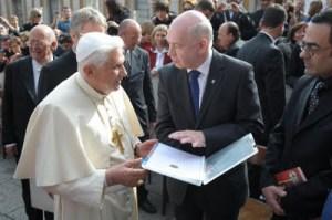 O presidente da Una Voce em audiência com o Papa Bento XVI