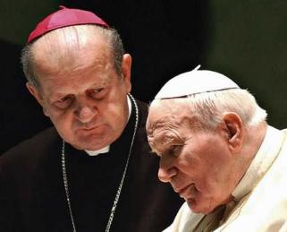 Cardeal Stanislaw Dziwisz e João Paulo II