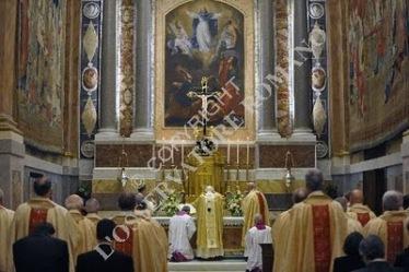 Missa celebrada hoje pelo Papa Bento XVI com os membros da Pontifícia Comissão Bíblica. Foto: L'Osservatore Romano.