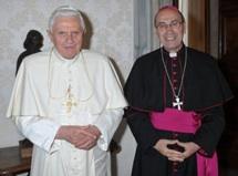 Bento XVI e Cardeal De Paolis, delegado pontifício para a reforma da Legião de Cristo.