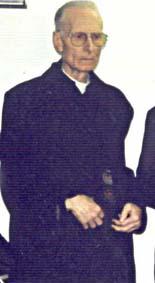 Mons. Brunero Gherardini, cônego da Basílica de São Pedro e  postulante da causa de canonização do Beato Pio IX, também questinou a  aceitação da validade do cânon de Adai e Mari, que omite as palavras da  consagração, pela Congregação para a Doutrina da Fé.