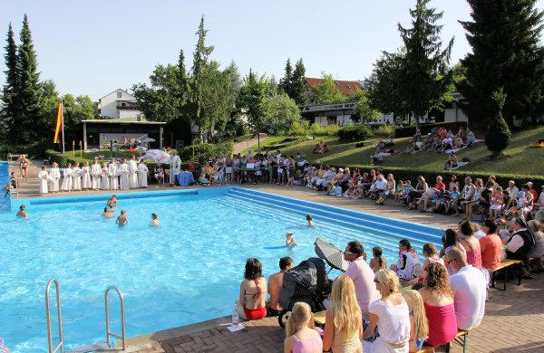 Missa na piscina - Alemanha