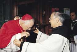 O cardeal Marc Ouellet durante a cerimônia de recebimento do título de Santa Maria em Traspontina, domingo, 26 de outubro de 2003 - 30 Giorni.