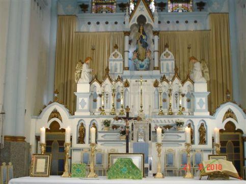 O altar da Catedral.