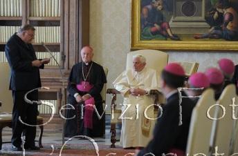 Outubro de 2010: Dom Moacir Grechi, bispo emérito de Porto Velho, se apresenta à paisana em visita 'Ad Limina'.