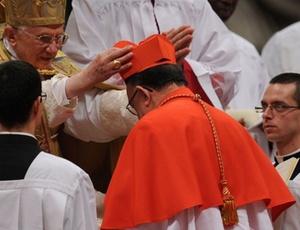 Dom Raymundo Damasceno Assis, arcebispo de Aparecida, é criado Cardeal pelo Papa Bento XVI.
