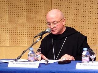 """Dom Zielinski em conferência de """"Si, Si, No, No"""", revista ligada à Fraternidade São Pio X, em Paris, em 2007."""