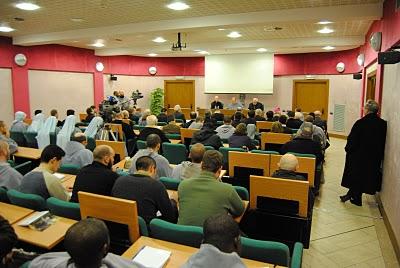Ciclo de conferências sobre o Vaticano II organizado pelos Franciscanos da Imaculada, em Roma, reúne expoentes da crítica ao Concílio. Dentre eles, Mons. Gherardini e Prof. Roberto de Mattei.