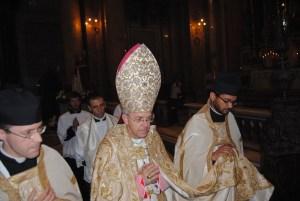 Dom Athanasius Schneider celebra missa de abertura do Congresso Summorum Pontificum em Roma.