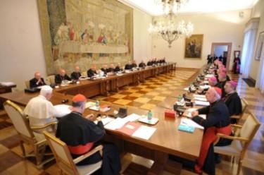 Reunião de Bento XVI com os bispos da Irlanda em 2010. Foto: CNS/L' Osservatore Romano via Reuters.