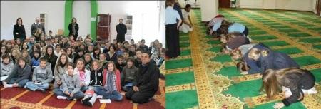 Crianças de colégio católico francês visita mesquita em intercâmbio religioso.