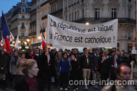A república é laica, a França é católica!