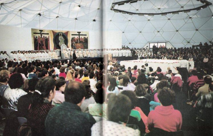 30 de dezembro de 1988: João Paulo II celebrada com o Neocatecumenato.