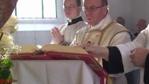 Dom Vitus Huonder, bispo de Chur, Suíça, celebra a Missa Tradicional