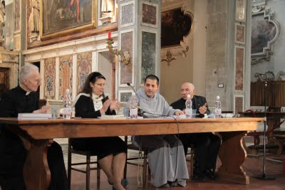 Padre Lanzetta ao lado de Cristina Siccardi e Monsenhor Brunero Gherardini.