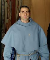 Padre Serafino Lanzetta é sacerdote professo do Instituto dos Franciscanos da Imaculada e pároco da Igreja São Salvador em Ognissanti,  Florença, desde 2004.