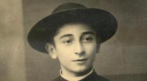 """Rolando Rivi: """"Estou estudando para ser padre e a batina é o sinal que eu sou de Jesus"""""""