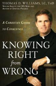 """Padre Willians, autor de """"Diferenciando o certo do errado: um guia cristão para a consciência""""."""