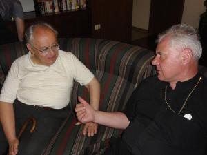 Dom Müller e o guru-mor da Teologia da Libertação, Gustavo Gutierrez: não, eles não estavam negociando quanto à Fé.