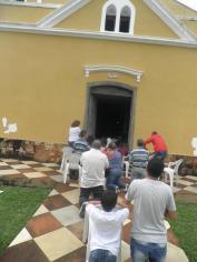 Domingo, 25 de novembro de 2012: a capela abarrotada para a Santa Missa.