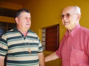 Dom Bruno Pedro (esquerda), bispo de Ji-Paraná (RO).