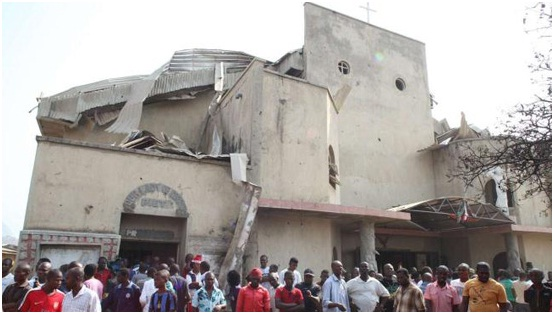 A foto mostra a Igreja Católica de Santa Teresa na capital Abuja, destruída por atentado no Natal de 2011.
