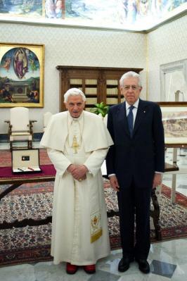 Sábado, 16 de fevereiro de 2013: Bento XVI recebe o primeiro ministro italiano Mario Monti.