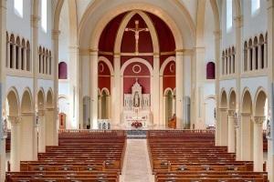 Interior da nova igreja de Santa Catarina de Siena