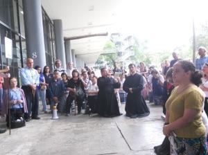 Ato de desagravo reuniu centenas de pessoas.