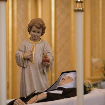 Madre Maria Angélica da Anunciação, fundadora do grupo Eternal World Television Network (EWTN) de comunicação católica, faleceu no último dia 27, Domingo de Páscoa.