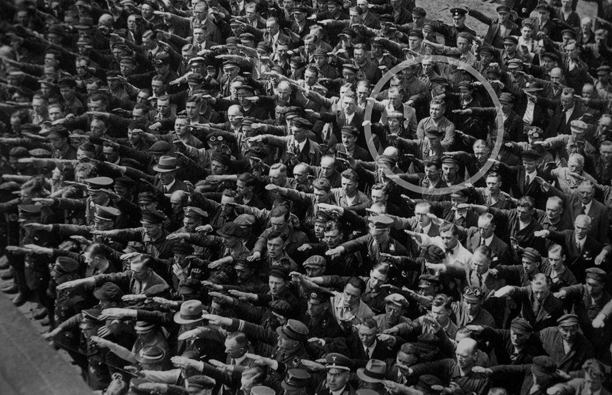August-Landmesser-Almanya-1936