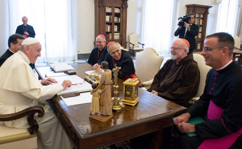 Pope_meets_US_bishops_over_abuse_crisis_810_500_75_s_c1