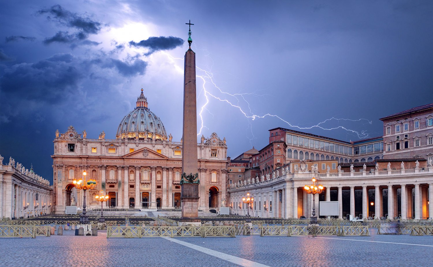 https://fratresinunum.files.wordpress.com/2018/09/vaticanlightning-1-1500x926.jpg