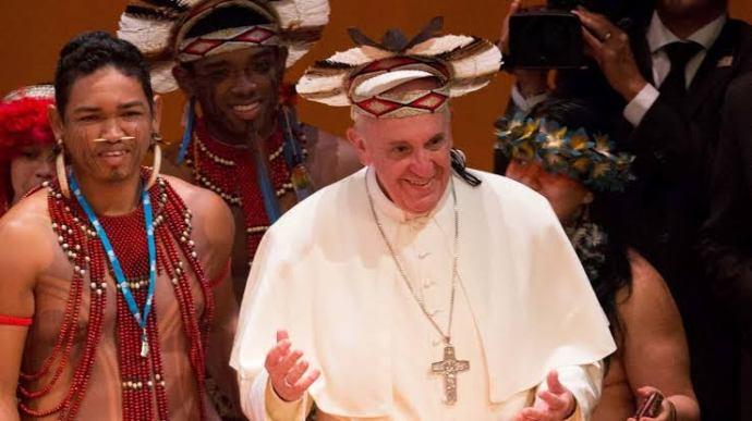 Papa Francisco e sua preferência por modelos alternativos de Saturno