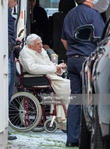 Bento XVI vai à Alemanha visitar seu irmão.